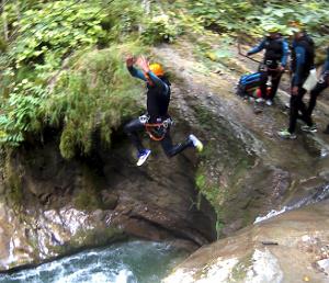 canyoning en isere autour de grenoble et Lyon vercors canyoning villard de lans chamrousse