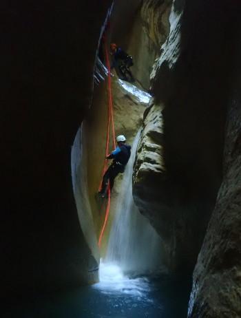rappel dans le canyon de linfernet chartreuse en isère